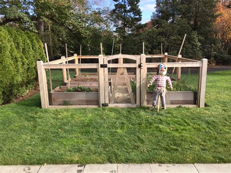 Garden Enclosure by Riverside Fence 187 Garden Enclosures