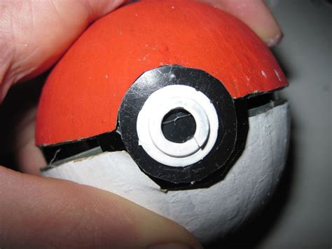 How To Make A Paper Pokeball That Opens - how to make a pokeball