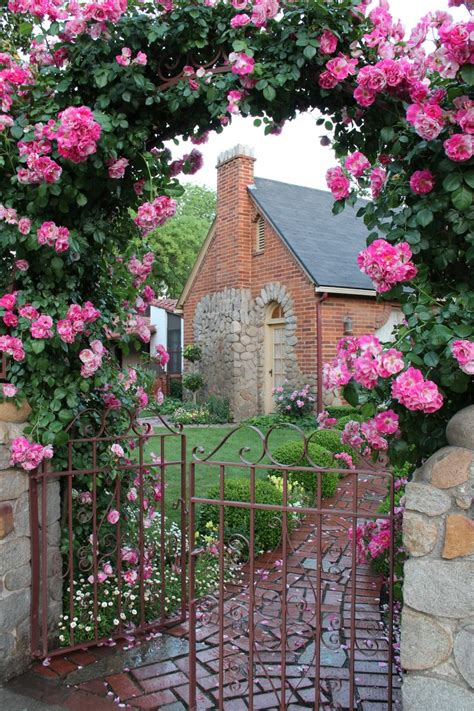 cottage garden gates arch entry gate to cottage cottages cabins