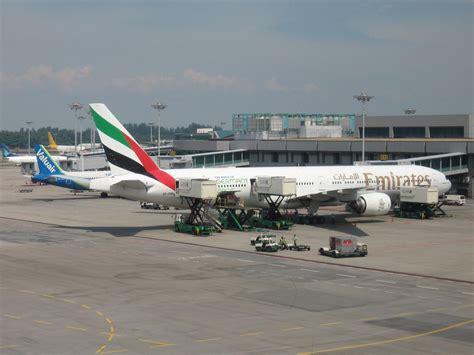 Emirates Terminal Singapore   behramjee s airline news emirates australia