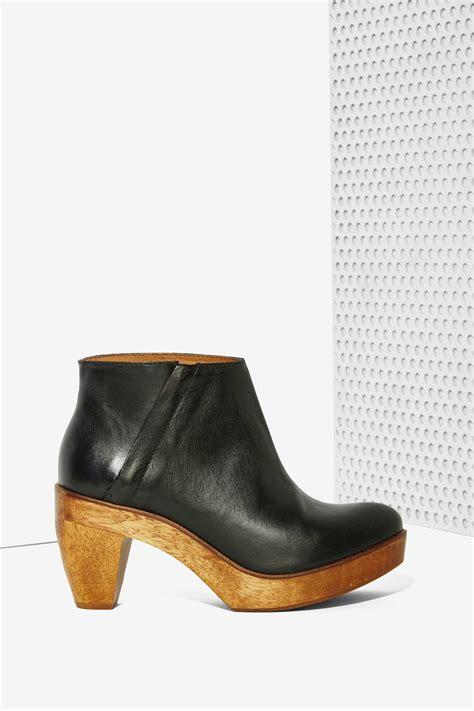 kelsi dagger shoes lyst kelsi dagger rhythm leather boot in