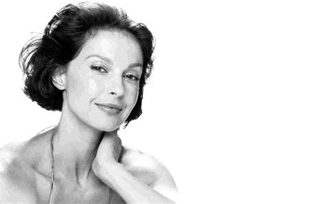 ashley judd bra size age weight height measurements celebrity ashley judd height weight age and body measurements