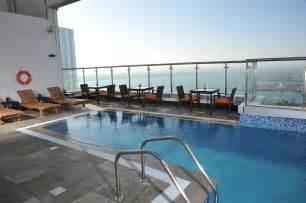 hotels in abu dhabi corniche area book ramada abu dhabi corniche in abu dhabi hotels