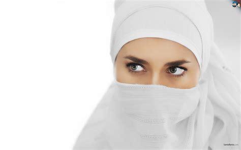 wallpaper wanita cantik arab wanita muslimah bercadar