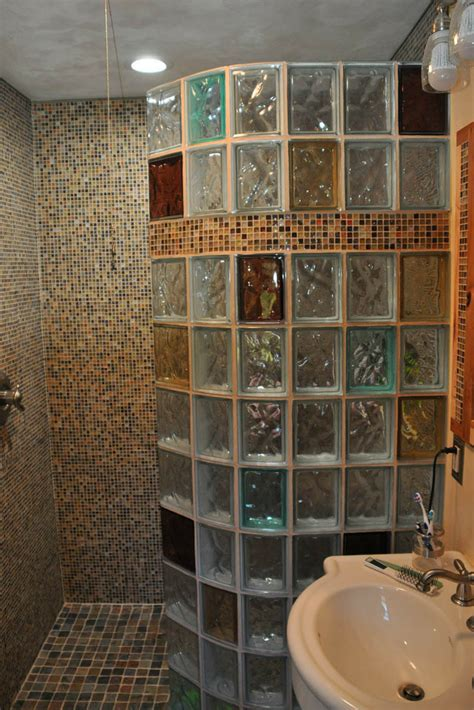 Glass Block Bathroom Designs 7 Tips To Choose The Right Glass Block Shower Wall Thickness Glass Blocks Glass And Walls