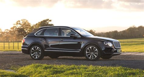 bentley bentayga wallpaper bentley bentayga field sports 2018 cars 4k wallpaper
