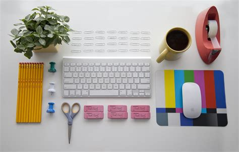 How To Keep Your Desk Organized Tips And Tricks Organize Your Desk Home Caprice