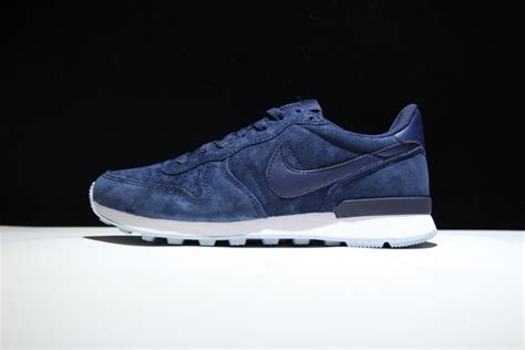 high end athletic shoes high end product nike internationalist prm suede navy