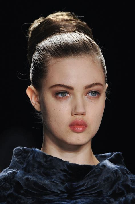 model makeup runway makeup looks and tips marie claire beauty breakdown experts tips to get fall 2014 s top
