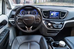 Chrysler Pacifica 2016 Chrysler Pacifica Interior Pictures To Pin On