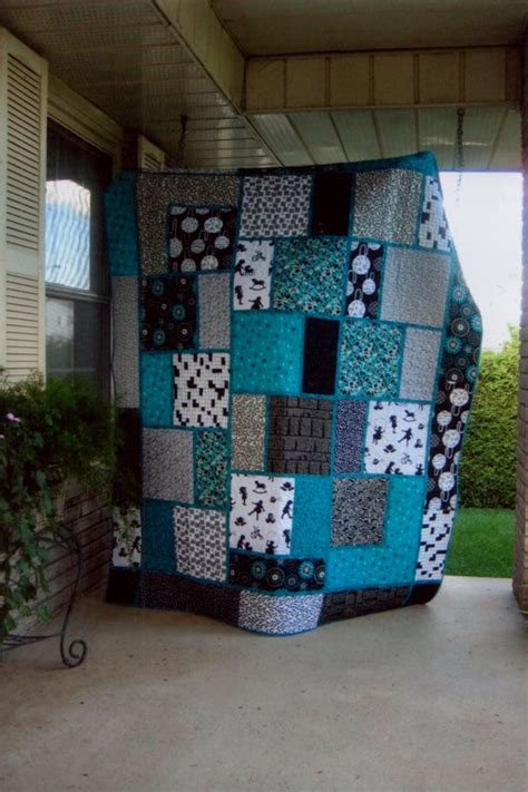 Black And White Quilt Block Patterns by Black White And Teal Quilt Pattern Called Big Block Quilt