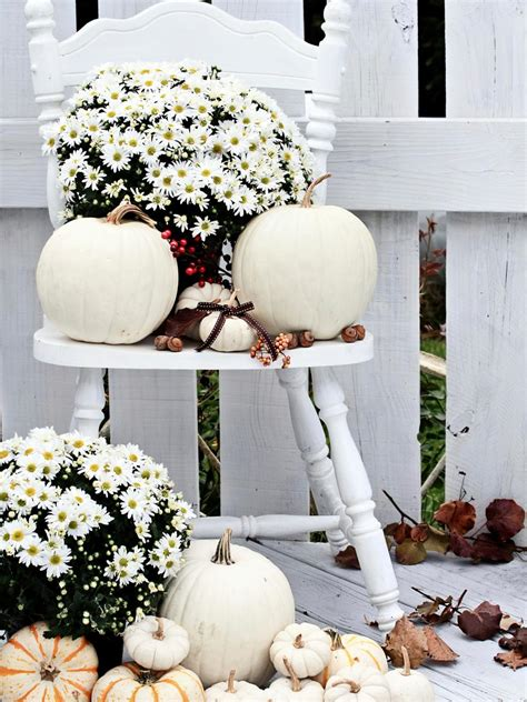 diy outdoor fall decorations 10 easy essentials for outdoor fall decorating diy