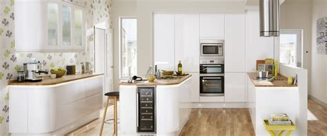Gloss Kitchens Howdens by Howdens Kitchen Gloss Integrated Handle White