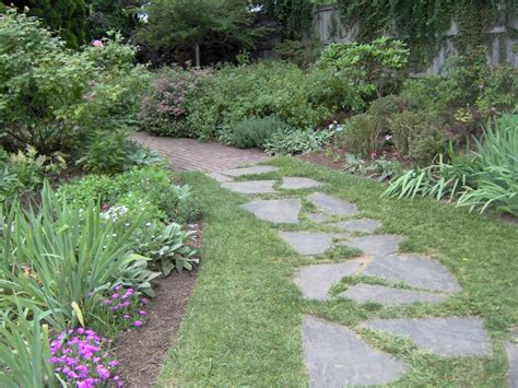 landscaping pathways garden path house stuff pinterest brick walkway