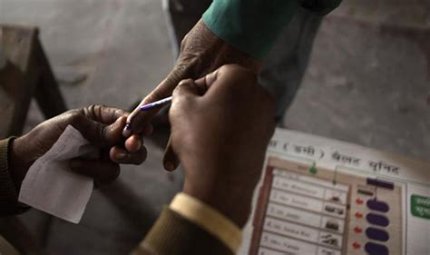 congress seats in lok sabha 2004 lok sabha elections 2014 15 candidates fight it out for
