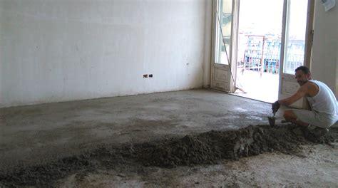 come fare un massetto per pavimento rifare massetto pavimento cemento armato precompresso
