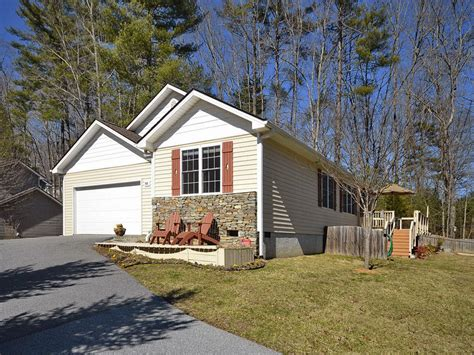 beautiful homes for rent in hendersonville nc on 66 karla