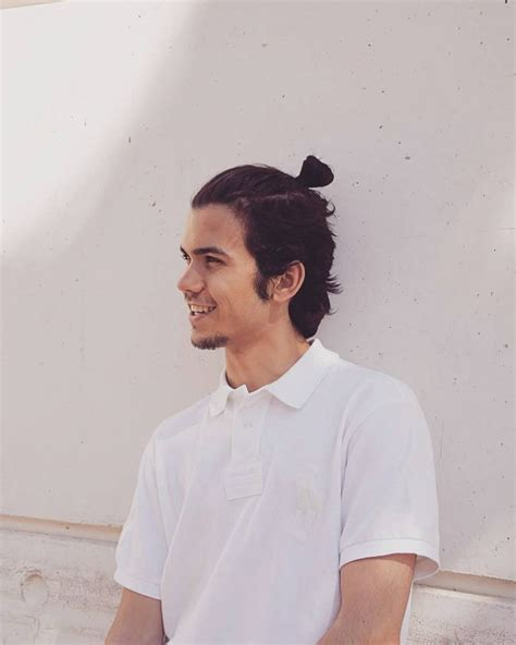 55 new men s top knot hairstyles out of the ordinary 2018 top knot guys www pixshark com images galleries with a