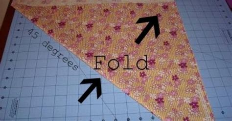 How To Make Quilt Binding On The Bias by How To Fold Fabric For Cutting Bias Strips That That Quilt Rounded Quilt Corners A