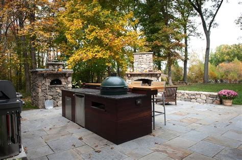 backyard pizza and bar this is an amazing outdoor set up big green egg fireplace bar pizza oven the works