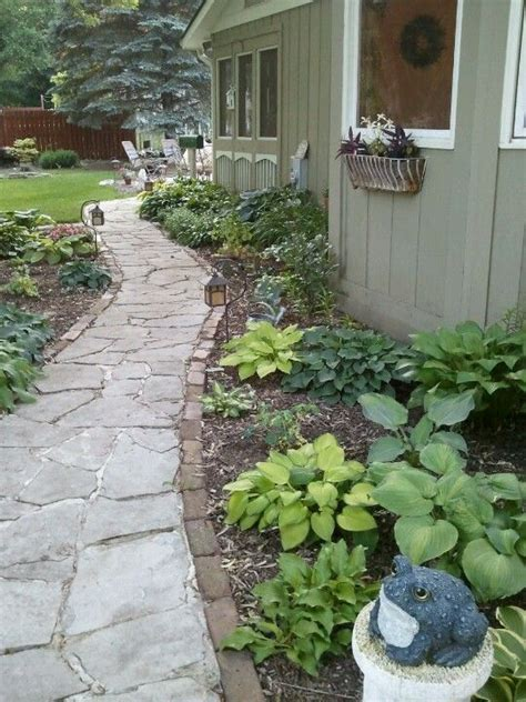 Side Yard Landscaping Ideas 17 Best Ideas About Side Yard Landscaping On Pinterest Front Yard Garden Design Simple