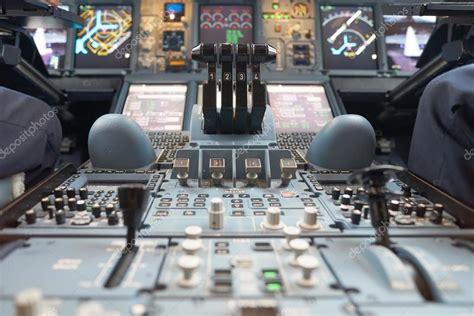 cabina di pilotaggio airbus a380 cabina di pilotaggio airbus a380 28 images cabina di