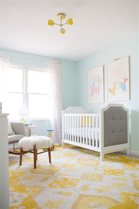 bright  airy nursery   baby relax luna
