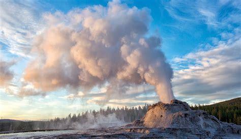 steamboat geyser webcam see geysers andhot springs in yellowstone