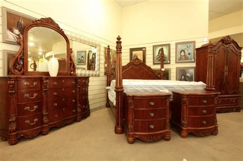 Pulaski King Bedroom Set by Pin By Colleen S Consignment On Beautiful Bedrooms
