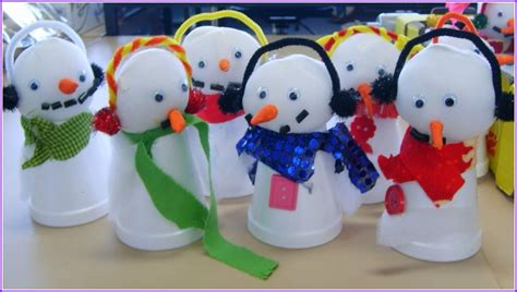 christmas decorations to make at home for free creative christmas crafts to make at home homesfeed