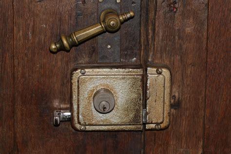 how to get in a locked bedroom door how to open a door lock without a key 15 tips for html autos weblog