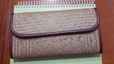 Dompet Wanita Motif Kelinci 3 batik motif dayak khas kalimantan dompet wanita dari anyaman bemban