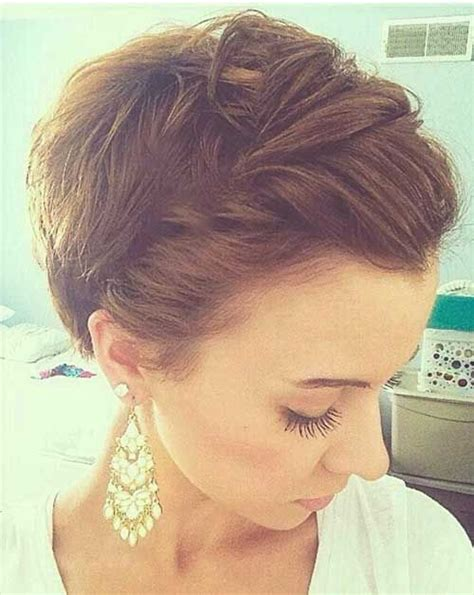medium pixie cut hairstyle 17 best ideas about cute pixie haircuts on pinterest