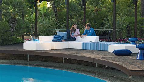 arredo piscina come arredare il bordo piscina con stile toparredi