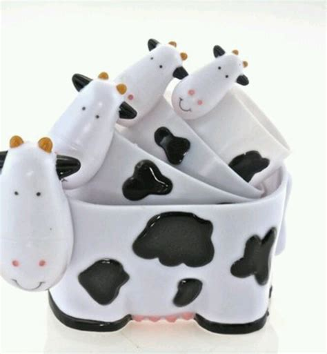 cow decor for kitchen 393 best cow stuff images on cow cow kitchen