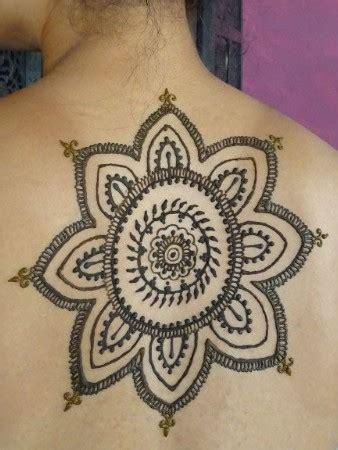 henna tattoo handinnenseite angebote preise und kosten f 252 r henna malen design