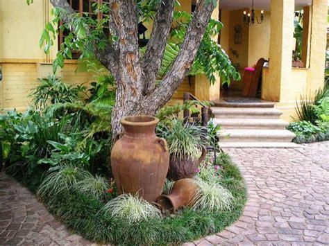designing  garden focusing  focal points