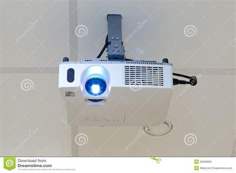 proiettore soffitto proiettore sul soffitto fotografia stock immagine 20062820