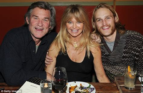 leslie mann natal chart look familiar kurt russell and goldie hawn s handsome son
