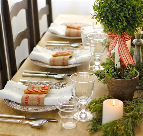 christmas table settings ideas jenny steffens hobick holiday table setting centerpiece