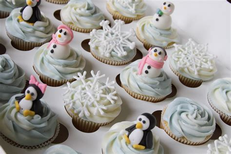 Winter Cupcakes Decorating Ideas by Kaylynn Cakes Cupcakes