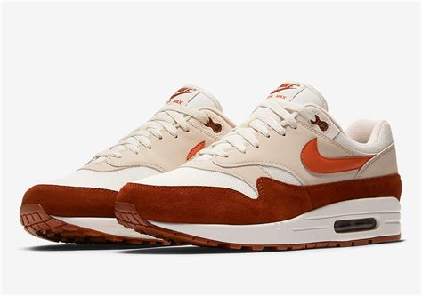 nike airmax 1 0 nike air max 1 quot curry 2 0 quot ah8145 104 coming soon