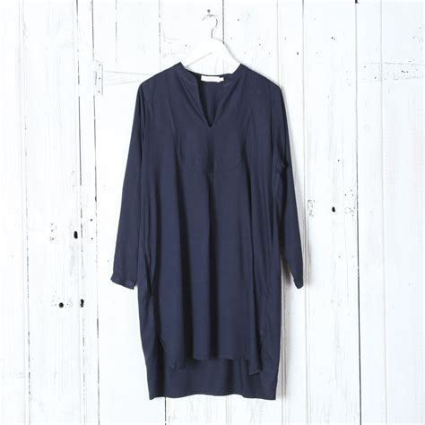 Dress Casandra Navy rabens saloner dress in navy collen clare