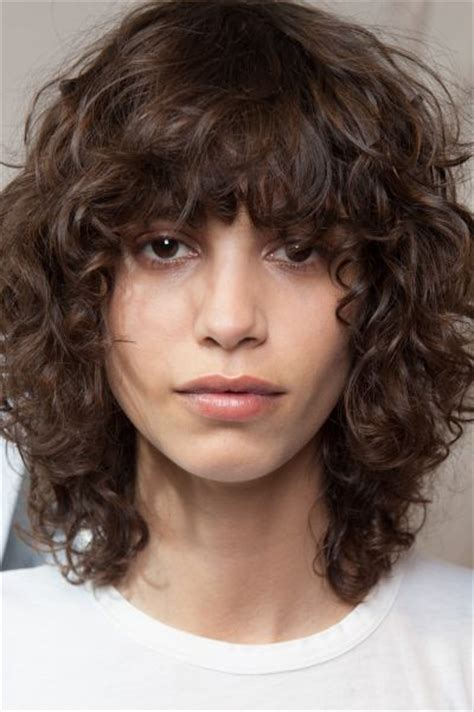 short curly hair model 25 best ideas about bangs curly hair on pinterest curly