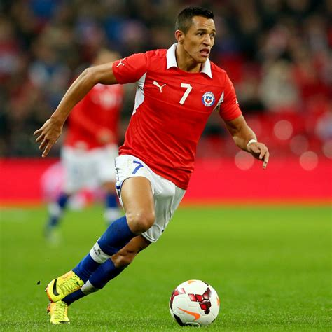 alexis sanchez soccer top 10 football player in world cup 2014 index by castrol