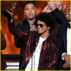 Jessicas Got A Grammy Date by Bruno Mars Thanks Caban At Grammys 2014