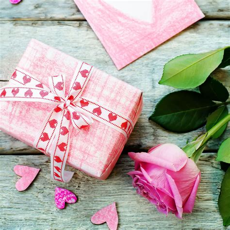 awesome valentines gifts 15 awesome gift ideas 15 inexpensive