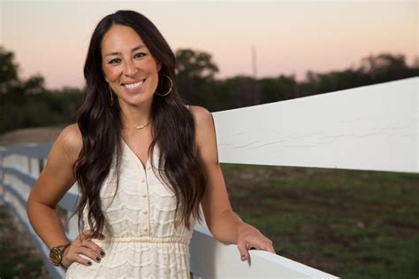 how to contact joanna gaines joe and chip gaines swamijane style