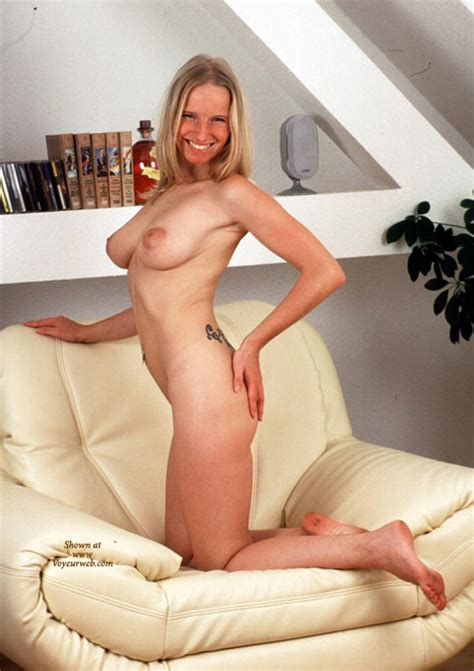 Sonja Profile At Voyeur Web