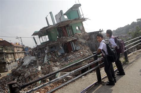 earthquake videos for students ap aptopix nepal earthquake